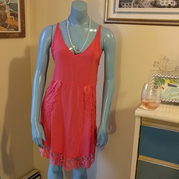 Free People Dresses & Skirts - Free People Coral Eyelashes Lace Trim Slip Dress
